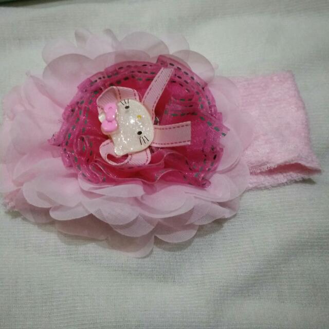 Bandana Bayi - Pink Hello Kitty