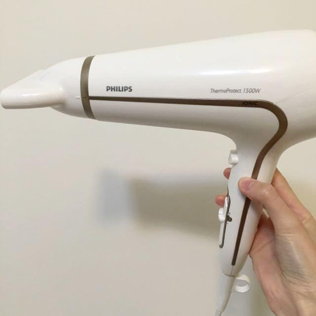 (含運)飛利浦沙龍級護髮水潤負離子專業吹風機HP8232