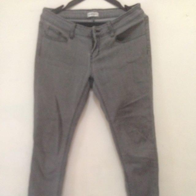 Jeans Colorbox Size M Fit L..Colour Grey..