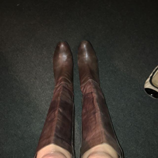Size 8.5 Tony Bianco Knee High Boots
