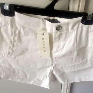 Mirrou White Shorts Size 10