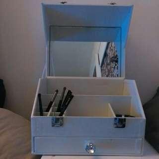 白色鑽石首飾鏡箱