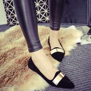 平底絨面尖頭鞋