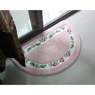 全新  田園風格 ~玫瑰花朵半圓形 地毯 臥室浴室門墊腳墊 腳踏墊  有現貨囉