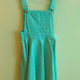BN Mint Pinafore