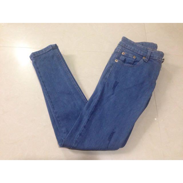 窄管牛仔褲 (保留)