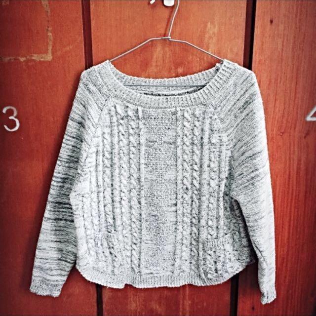代po 菱形麻花編織混灰色毛衣
