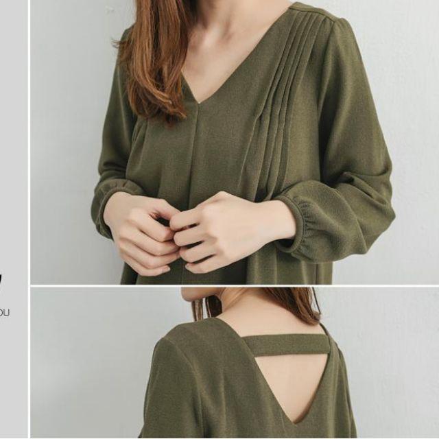 全新轉售 - 背鏤空打褶V領上衣 (軍綠色)