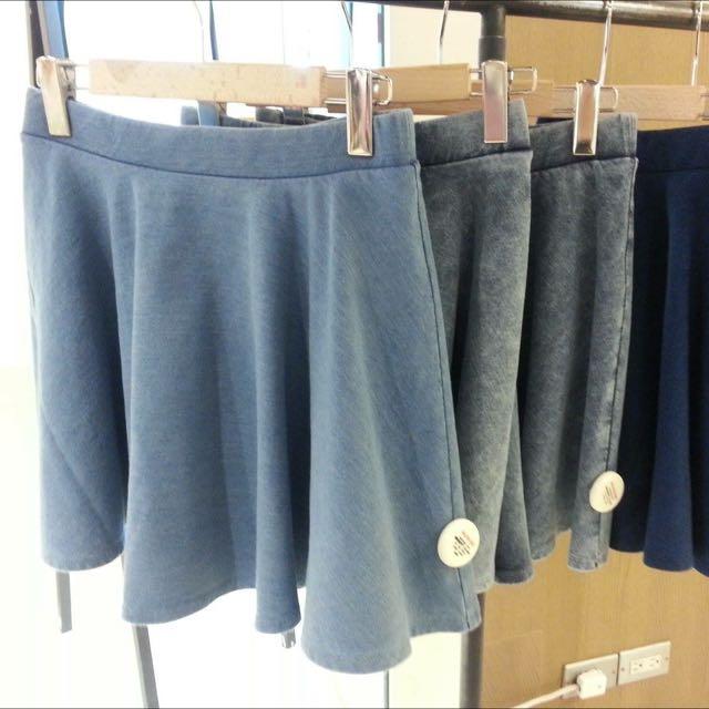 降🙌🏻日牌 Lowrys Farm 牛仔短裙 L號 深藍