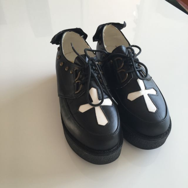 Black Cross Creepers