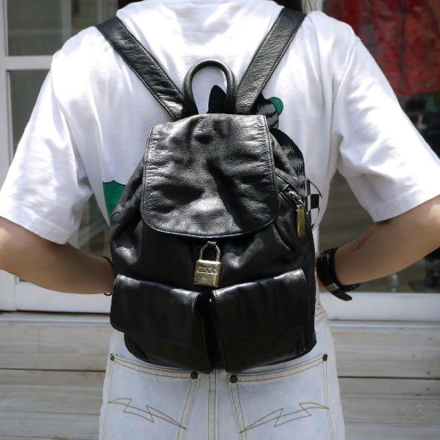 DKNY 皮 後背包