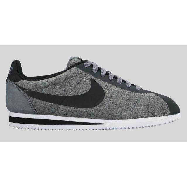 timeless design 8da78 9d906 For Sale  Preloved Nike Air Cortez Tech Fleece  Size 10, Men s ...