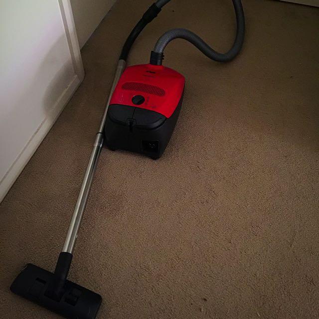 Mielle Vacuum Cleaner