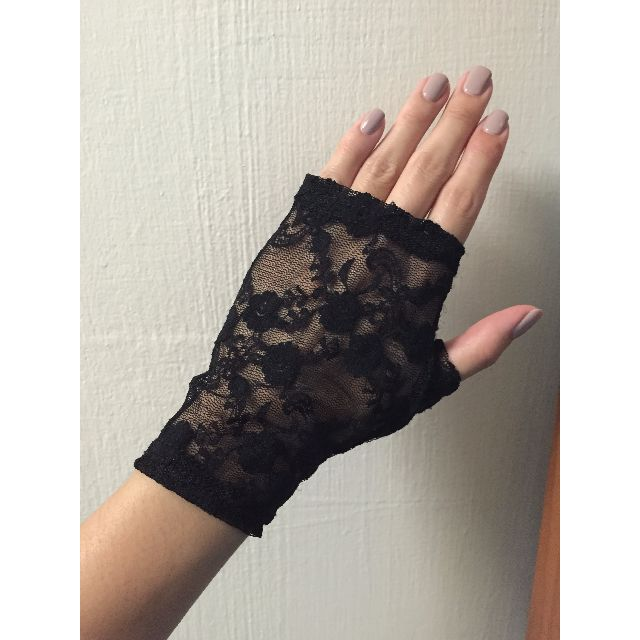Pair of black lace gloves
