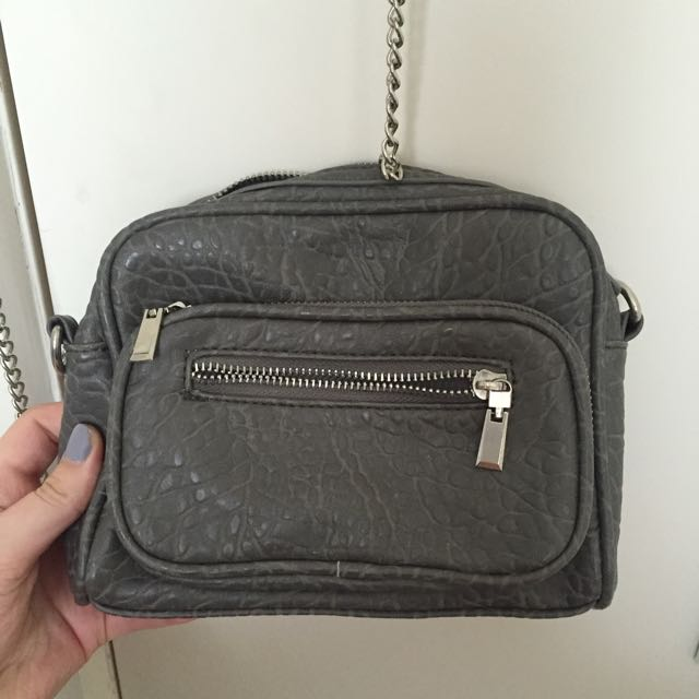 Purse with a silver chain