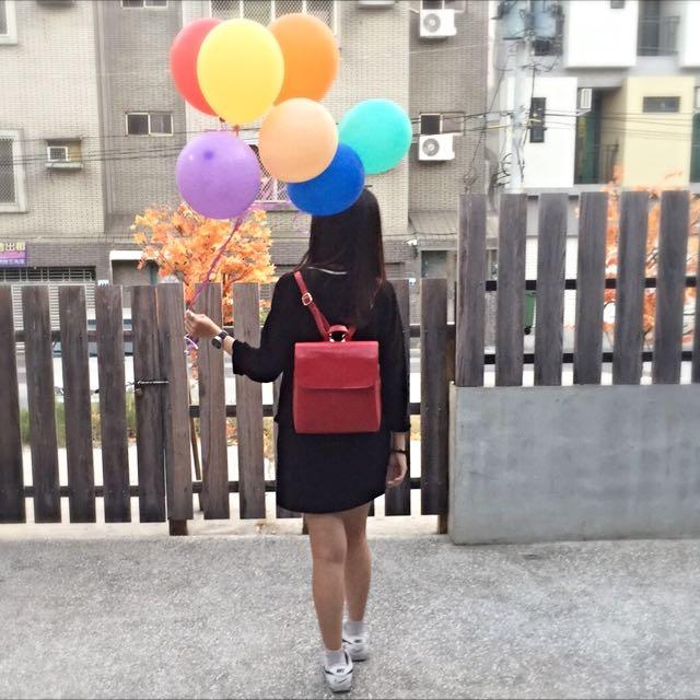 《SONA》簡約日系牛皮後背包 (紅色、墨綠色)