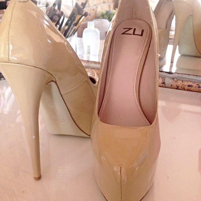 Zu Cream Heels Size 8.5