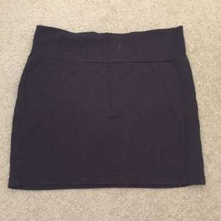 Basic Black Short Super Skirt