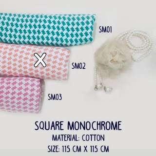 Square / Segiempat Monochrome