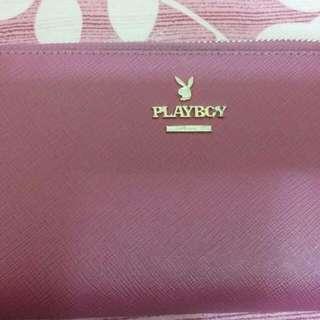 Play Boy 使用兩個月 八成皮夾