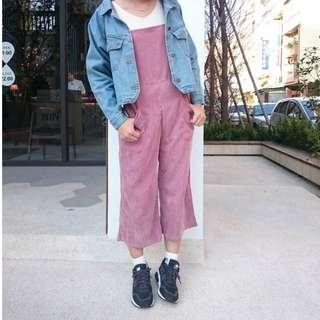 粉色絨布吊帶褲