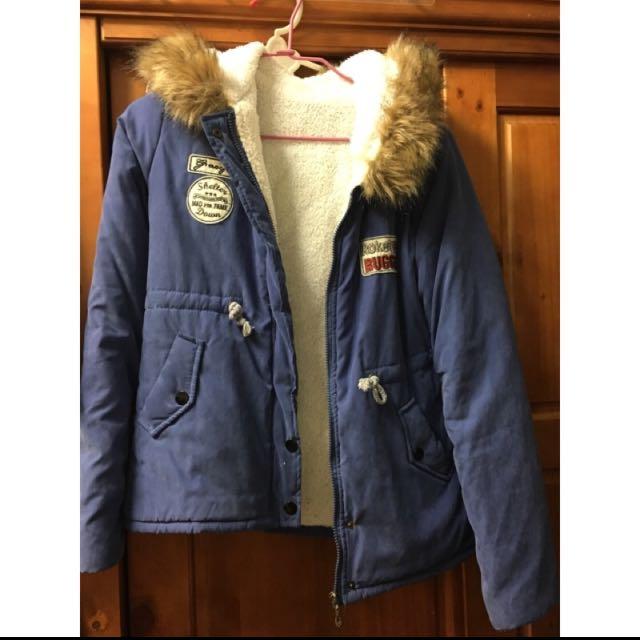 藍色毛絨外套