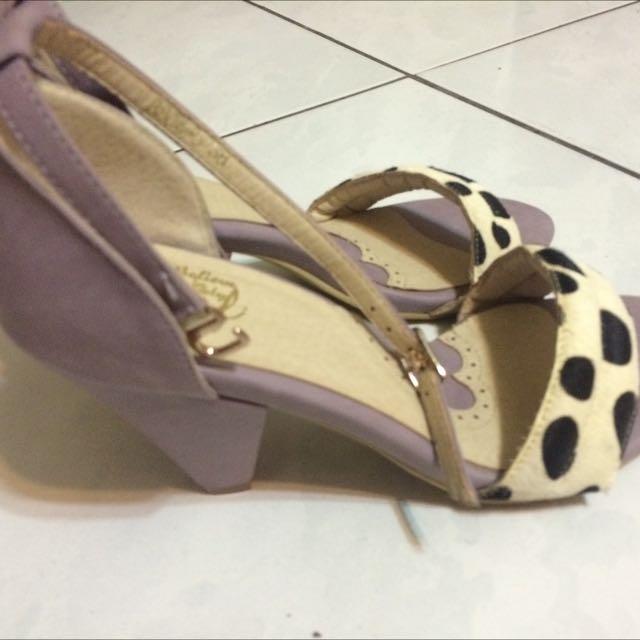 全新 D+af 真皮馬毛乳牛粉紫低跟涼鞋 38號