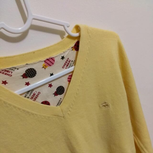 鵝黃色毛衣 V領針織衫