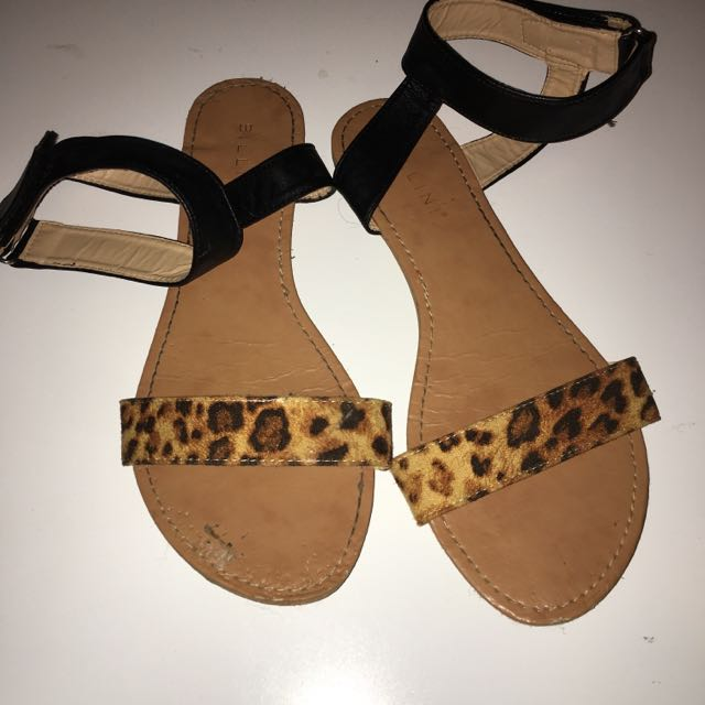 Flats Size 9-10