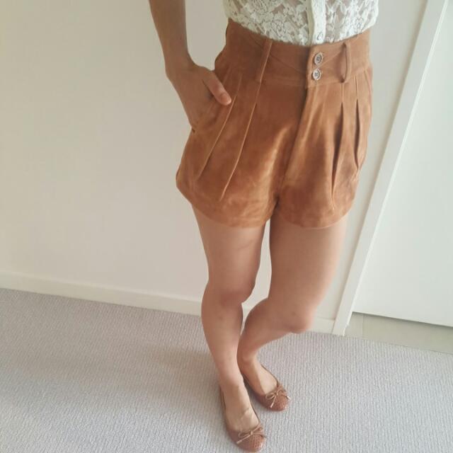 Lulu & Rose Camel High Waisted Shorts XS