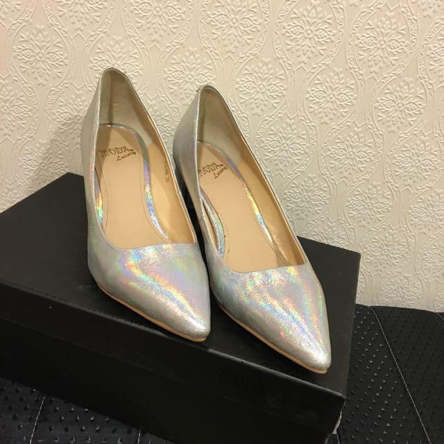 轉賣moda 銀色低跟鞋 35號