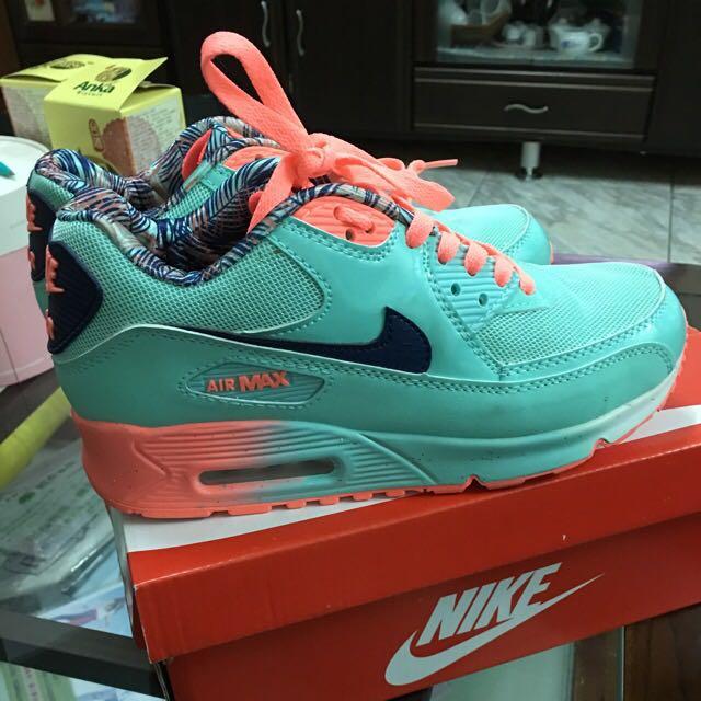 Nike Max90 湖水綠運動鞋