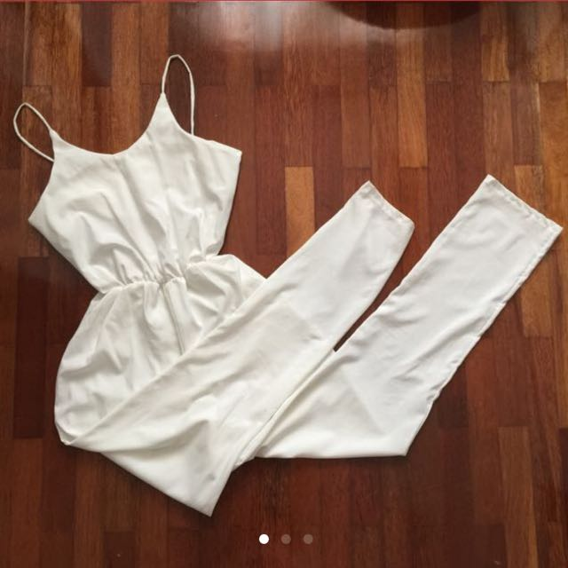 (Reduced Price)White Jumpsuit⭐️( Reserve)
