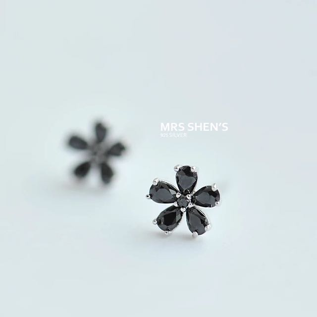 S174 925純銀 簡約精緻迷你花朵耳環