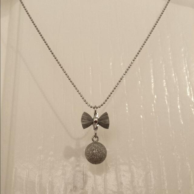 Cute Silver Bow & Ball Necklace