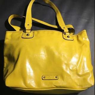 全新 美國購回 Nine West 看到心情就好黃色亮皮鮮豔奪目包包