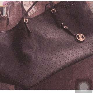 Micheal Kors Tote Bag ( Black) REDUCED