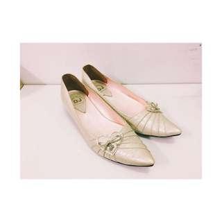 韓款 低跟漆皮尖頭鞋娃娃鞋