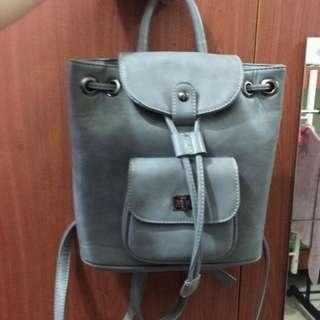 韓國灰色仿皮革後背包