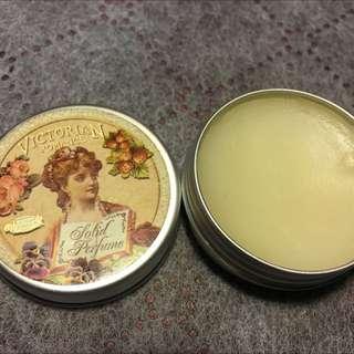 Chole Favour 香水膏