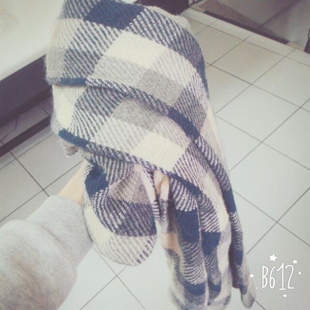 👉 格子圍巾-深藍白格