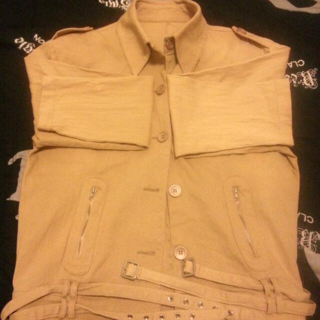 風格有型夾克 特價NT100元加送SK2保養品小莫數一包