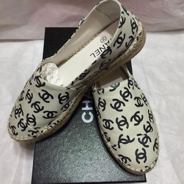 香奈兒鉛筆鞋 少有 難買新款超好穿羊皮 38號 全新 僅室內試穿 喜歡別錯過喔
