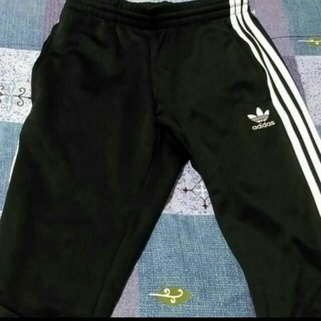 愛迪達adidas縮口褲