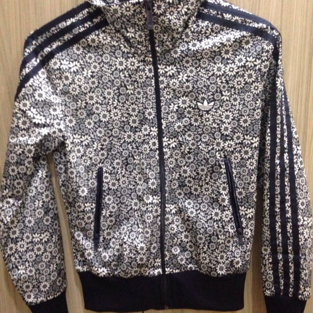(含運)Adidas運動外套-XS