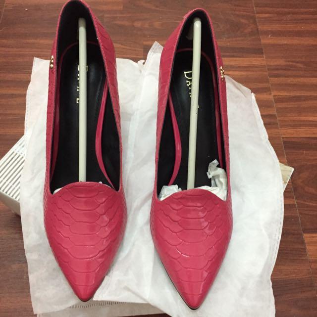 DAPHNE 桃紅 女鞋 (全新)
