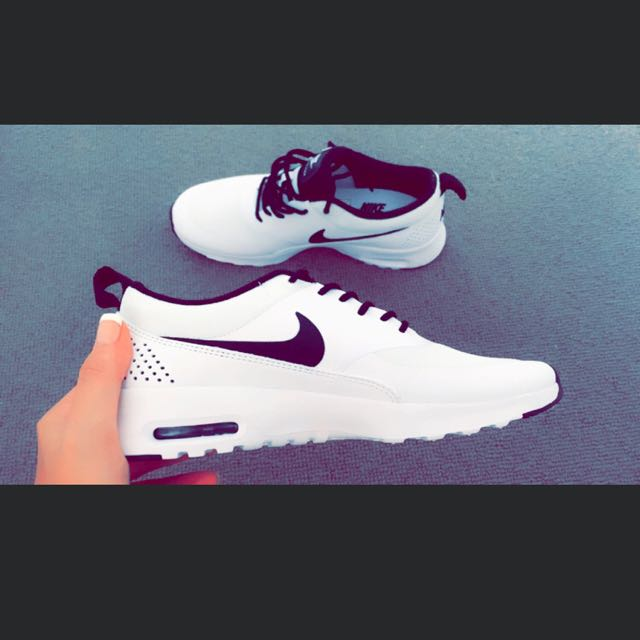 Nike Air Max Thea (woman's) Size 7