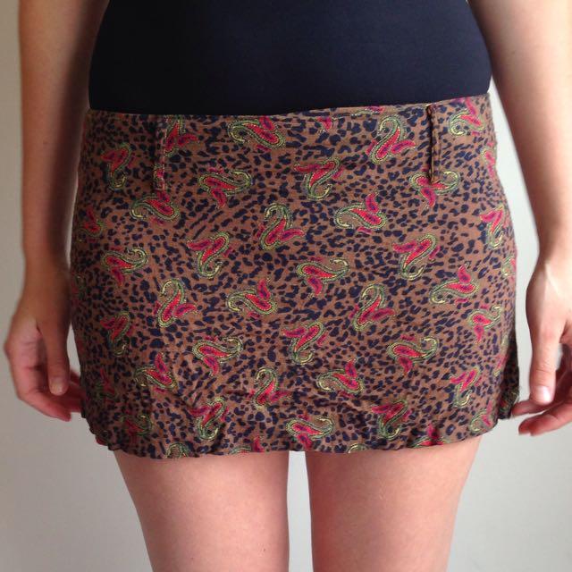 Pattern mini skirt sz 8