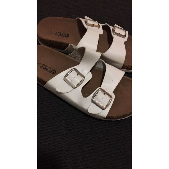 SANDALS- Never been worn