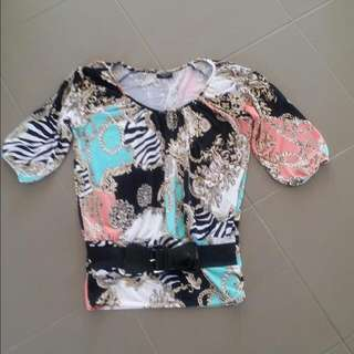 Paisly Top  Size 8 But Big Fit  Belt Goes Around Hips